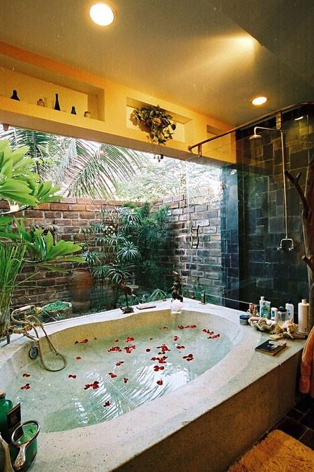 Bồn tắm hài hòa với thiên nhiên
