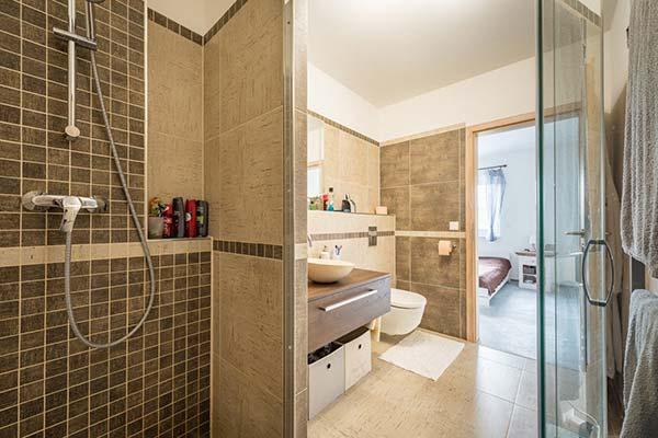 Thiet Ke Phong Ngu 16m2 Co Toilet 15